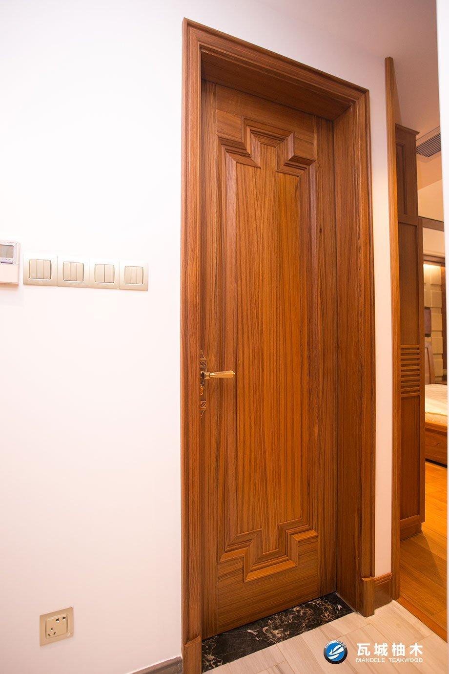 广州地区品质好的实木门 原木门 瓦城柚木原木门,台州原木门