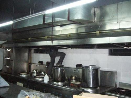 沙坪坝厨房清洗怎么收费_可靠的餐饮厨房清洗公司就选重庆聪锦环保