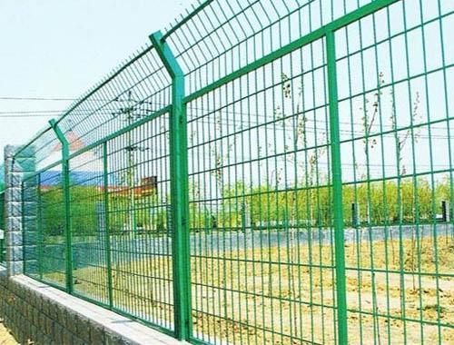 兰州护栏网 订购公路护栏网被选冀安筛网