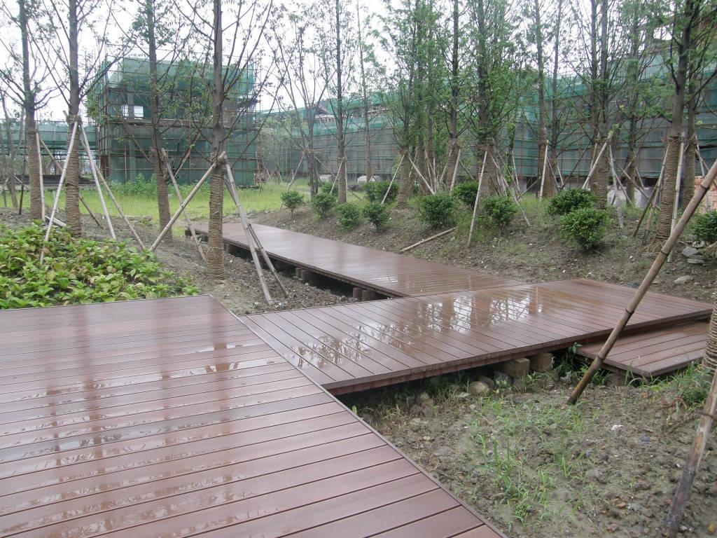 西安ASA共挤塑木地板定做-陕西优良的塑木地板供应出售