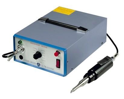 成都汉荣机械专业的汉威手持式防水超声波塑胶点焊机出售,零售工程防水板超声波焊接机