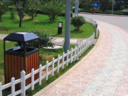 昌隆护栏优惠的草坪护栏出售_鹤壁镀锌钢喷塑护栏