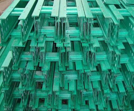优良玻璃钢电缆桥架供应商当属伟恒_玻璃钢电缆桥架供货商