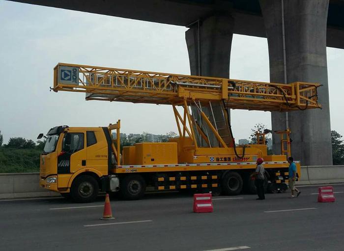 专业的桥梁检测维修加固鑫越高空车出租提供 专业的桥检车出租