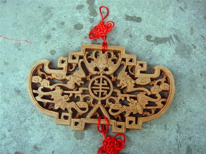 做工精湛的木雕挂件供应-山东木雕挂件直销