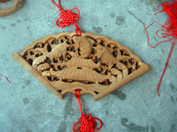 哪里有供应特色的木雕挂件 湖南木雕挂件直销