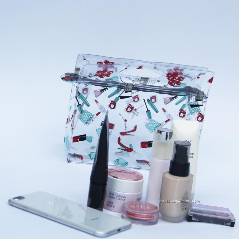 鸿泰PVC胶袋厂为您提供可靠的PVC化妆袋 上海PVC化妆袋厂家批发