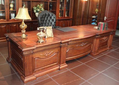 西安培训桌价格-品牌好的西安实木办公桌供应
