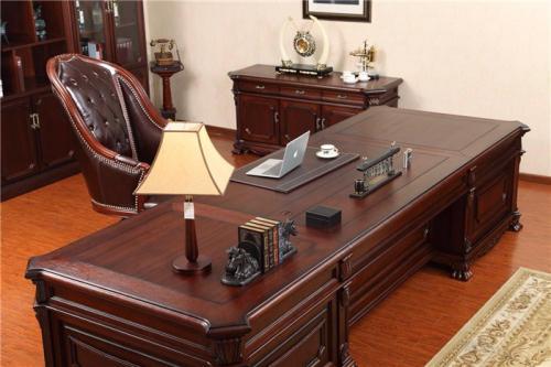平凉板式电脑桌厂家-隆博_平凉实木办公桌专业供应