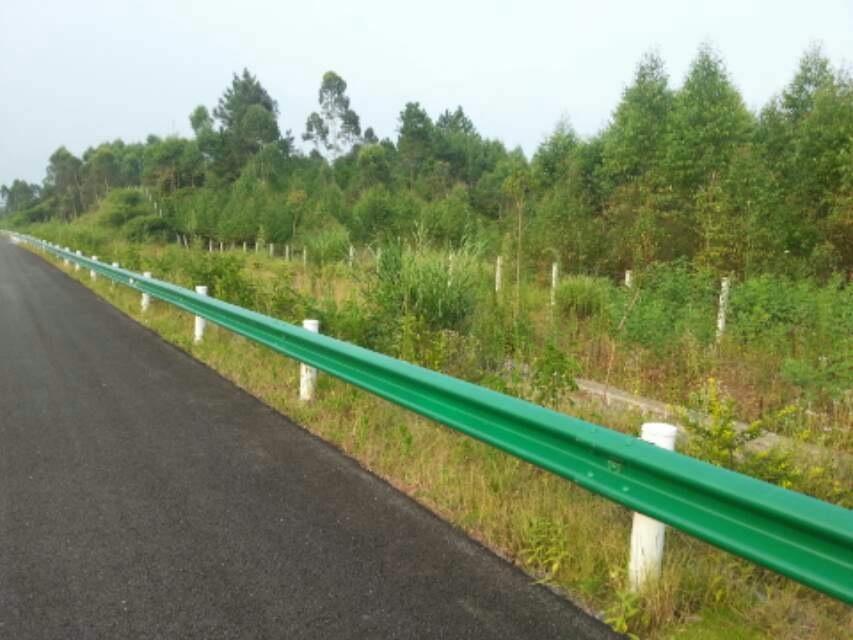 广西高速公路护栏 南宁哪里有供应实惠的高速护栏