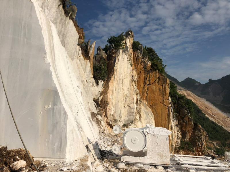 方解石原矿多少钱-划算的方解石原矿就在河南仁合汇金化工
