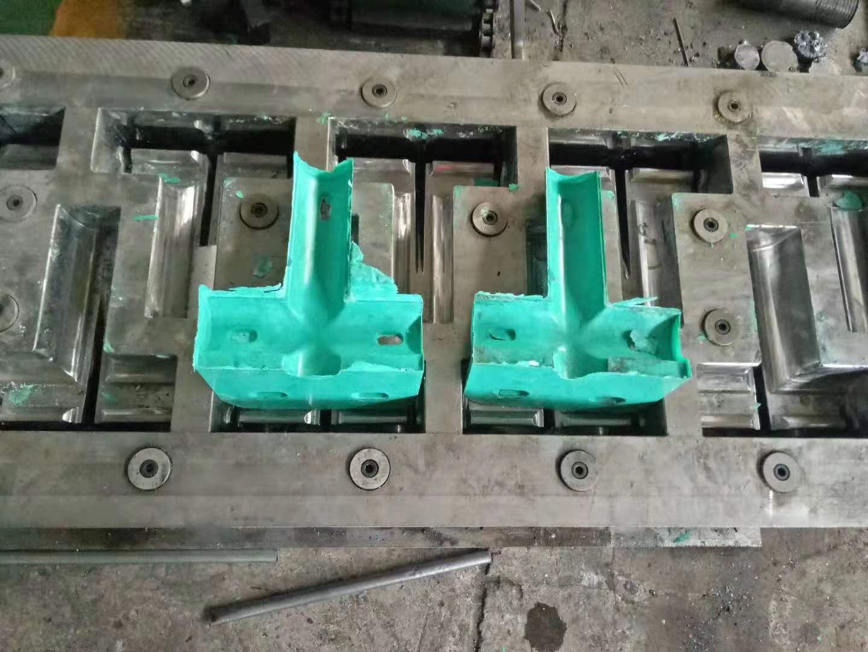 玻璃钢模压三通模具,玻璃钢模压三通模具厂家,河北玻璃钢模压三通模具