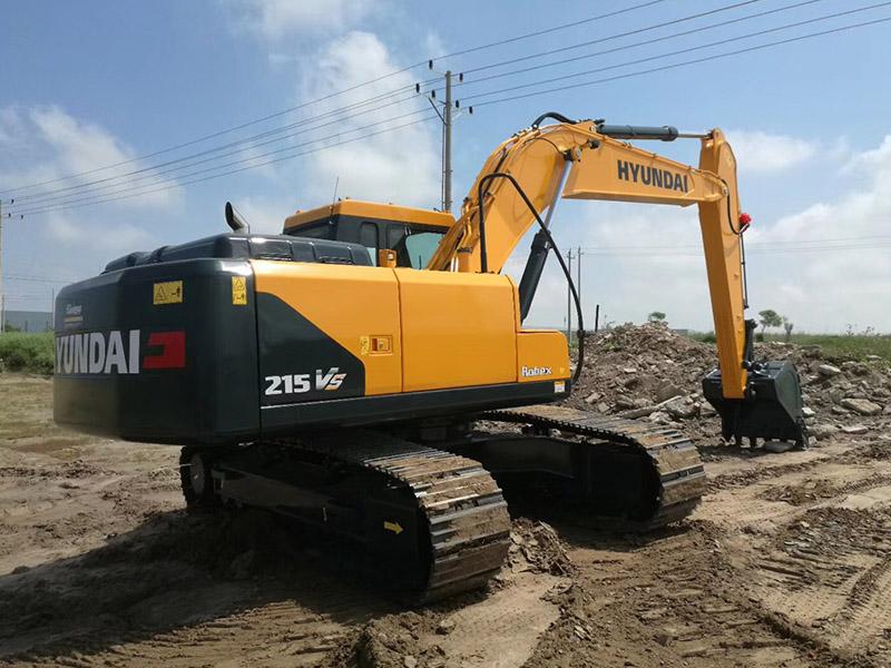 现代R215VS挖掘机