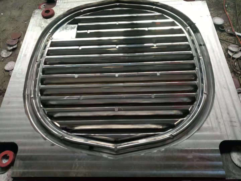 玻璃鋼模壓一體化糞池隔板模具河北雙飛有限公司