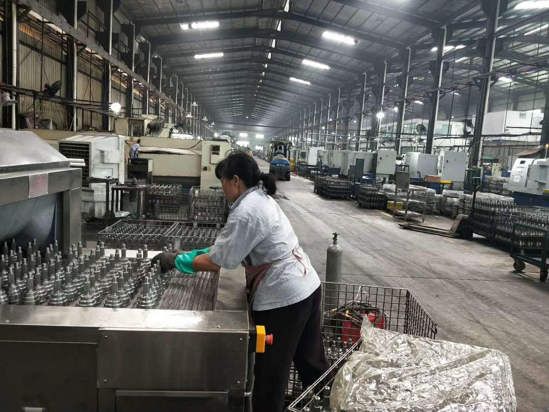 肇庆汽车零件清洗烘干机红泰设备厂家直销