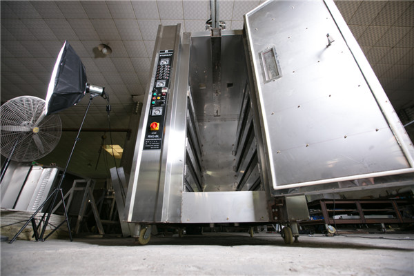 液晶屏烤豬爐多少錢一臺-高質量的燒烤爐推薦