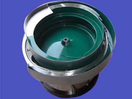 河北三一振动盘生产的五金振动盘操作简单、价格优惠