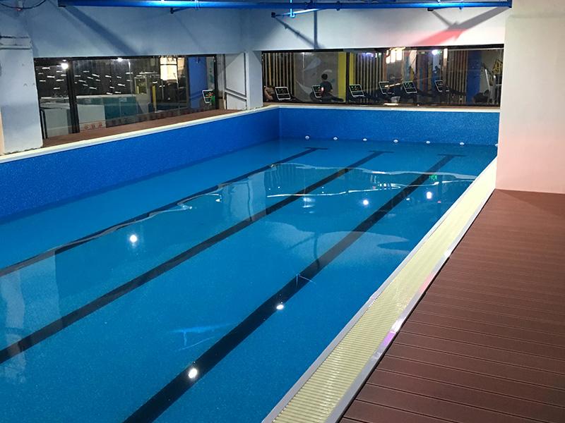 商业游泳池