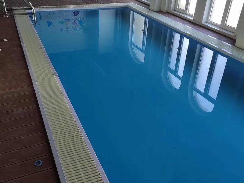 小型游泳池
