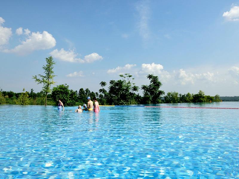 湖北水上游泳池-选购室外游泳池认准盛宏体育设施