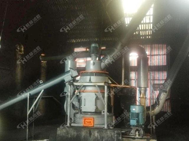 福建礦石粉碎機3R2713活性炭300目雷蒙磨粉機