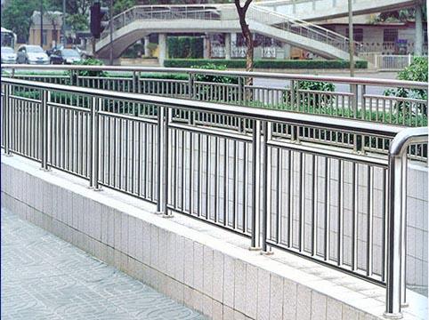 供应新乡销量好的新乡工程护栏|漯河工程护栏