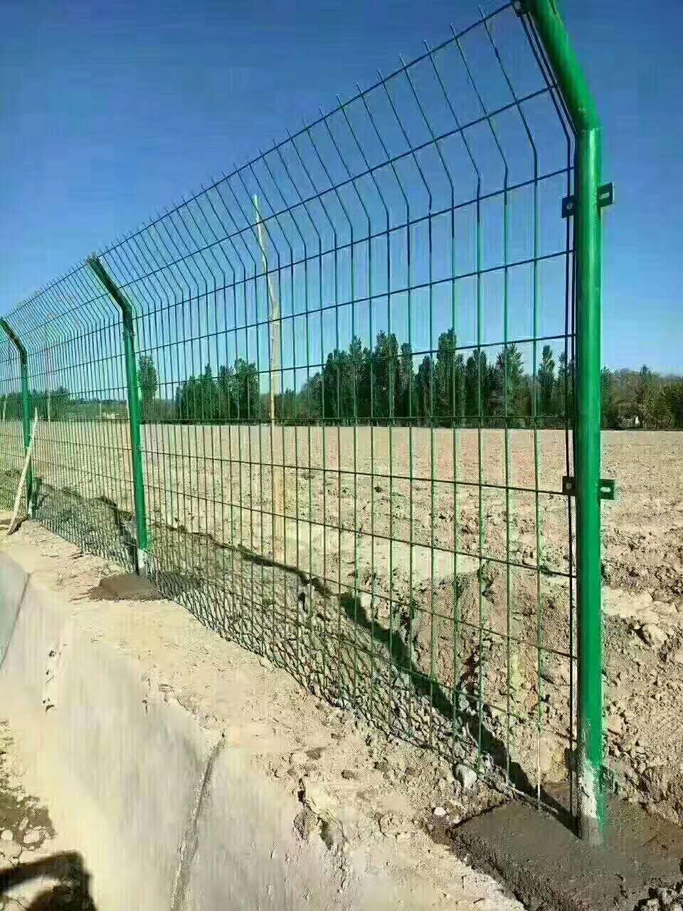 兰州护栏网生产厂家|甘肃丝网护栏批发商|护栏现货供应