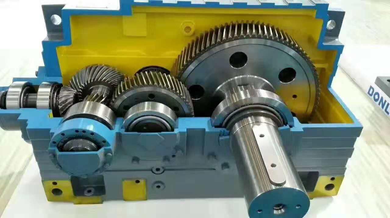 乌鲁木齐减速机-乌鲁木齐减速机配件-乌鲁木齐工业齿轮减速机
