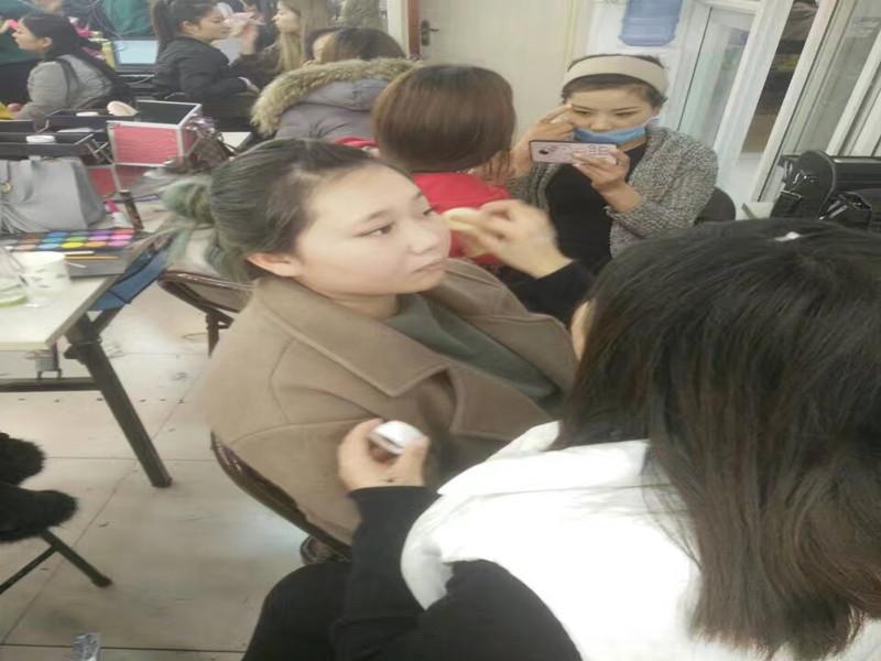 阜阳化妆学校-纹绣学校-美容学校到实力强的汝美职业技术学校