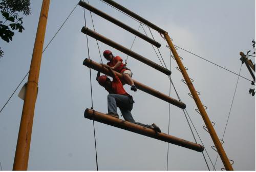 团队建设拓展训练报价|哪里有信誉好的西安户外拓展机构
