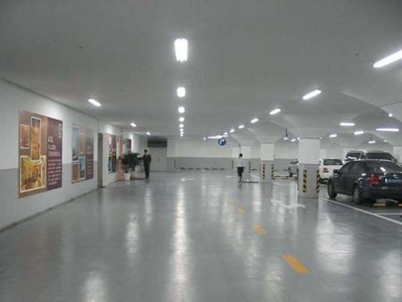 专业的水泥自流平施工公司当属锦州名匠装饰装修公司 鞍山旧环氧地坪漆改造