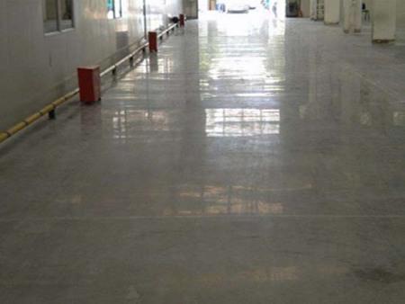 营口停车场地面施工|水泥自流平施工_锦州名匠装饰装修公司_专业可靠