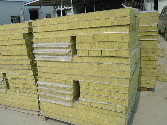 平凉岩棉复合板-银川盛达隆彩钢钢结构提供银川地区销量好的宁夏岩棉复合板
