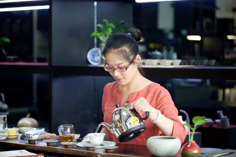青岛茶艺师培训学校联系方式-茶艺师培训就来青岛中海职业培训