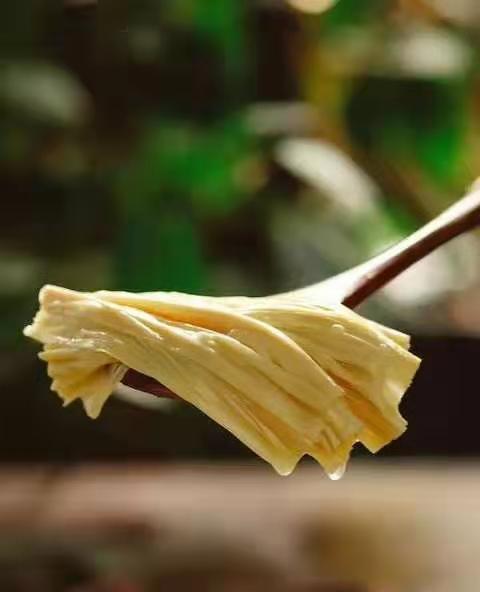 临沂地区哪里有卖优良鲜腐竹|泰安鲜腐竹生产厂家