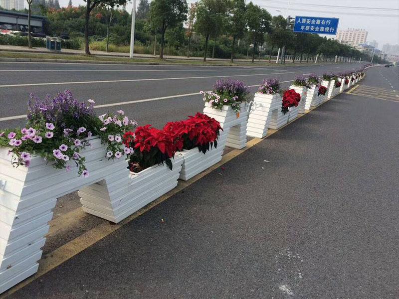 上海PVC发泡道路花箱价格|想买销量好的PVC花箱,就到南宏园林绿化工程