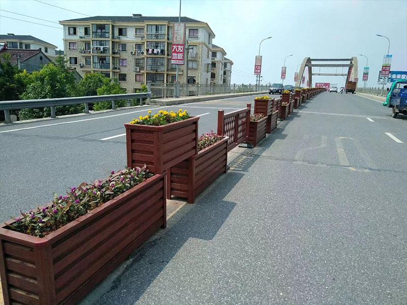 重庆道路花箱隔离栏定制_哪里能买到实惠的花箱护栏
