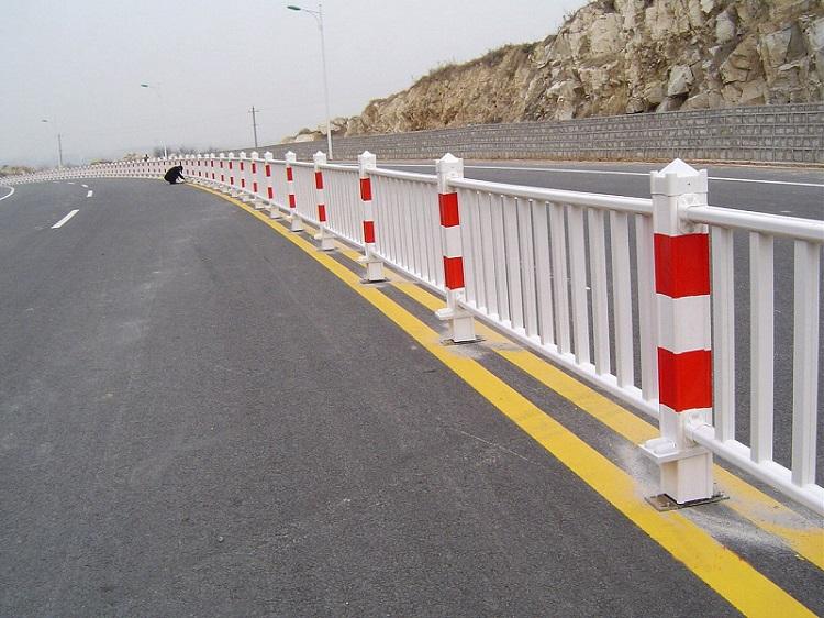 新疆道路护栏