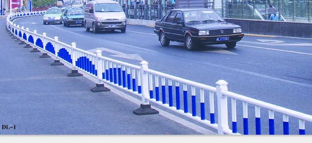 阿勒泰道路护栏-新疆实惠的新疆道路护栏