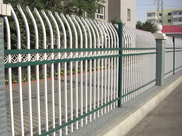 阿勒泰学校锌钢护栏-选好的新疆锌钢护栏-沃森永恒城市景观设施