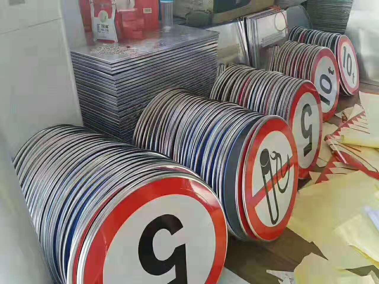 銀川標志制作哪家好-買價格公道的寧夏交通設施當然是到通達交通設施標牌廠了