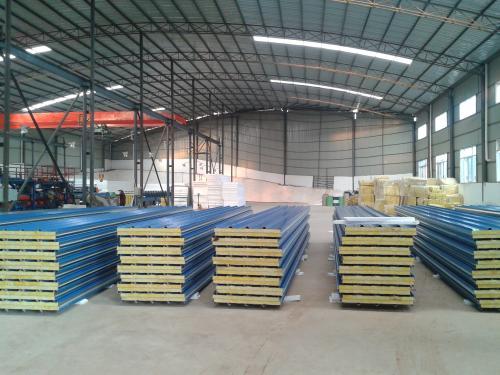 海拉尔聚苯复合板厂家批发-内蒙古彩钢复合板费用