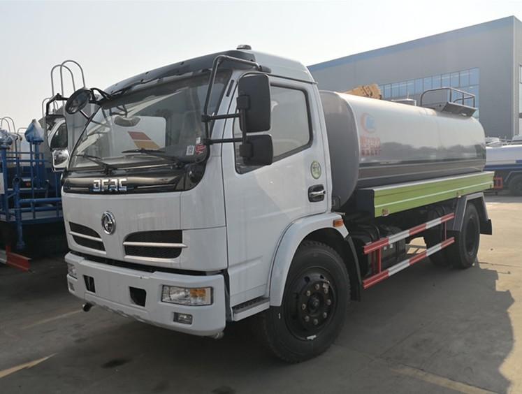 东风多利卡5方洒水车 绿化喷洒车 雾炮车生产厂家