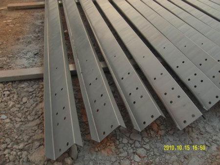 冷弯CZ型钢檩条生产厂家-买檀条当选华赢建工钢结构