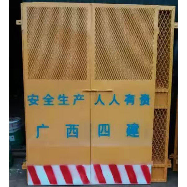 施工用电梯门制造商|专业的施工用电梯门