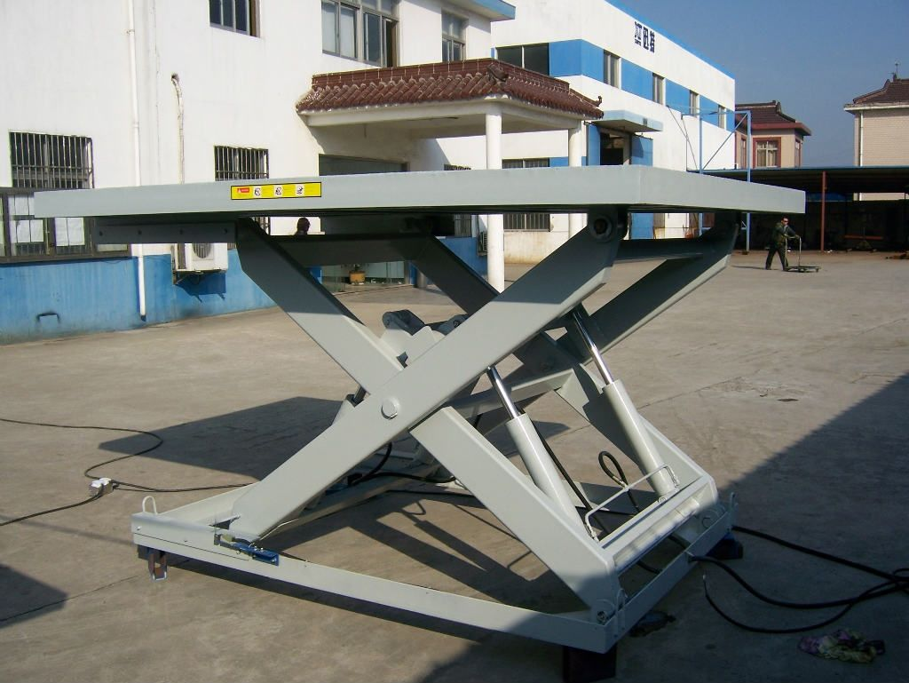 液压升降平台厂家-许昌哪里有供应耐用的液压升降平台