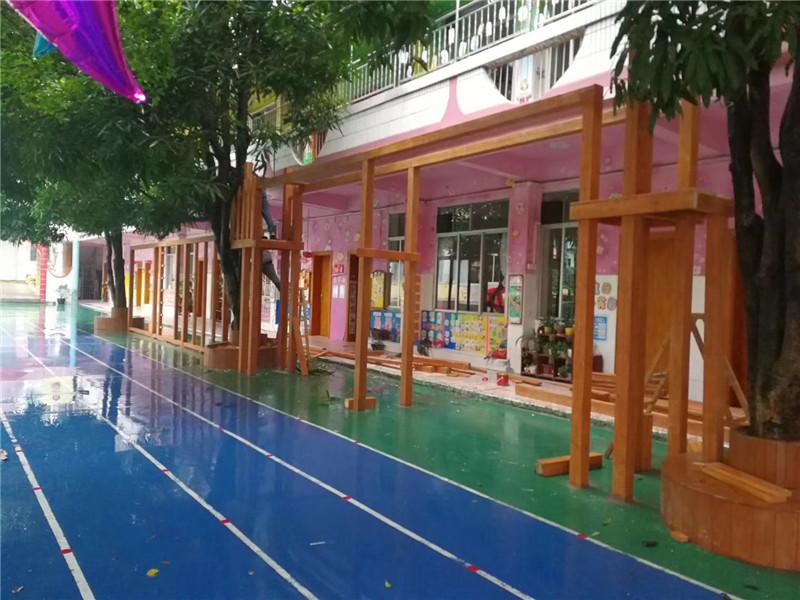 幼儿园防腐木工程,广西幼儿园户外玩具批发