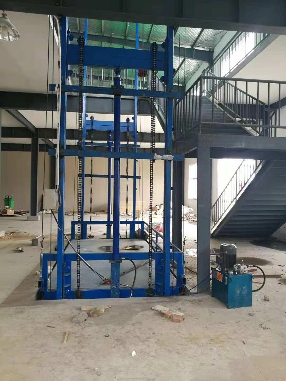 伊犁哈萨克新疆工厂货梯|口碑好的货梯供应商当属乌鲁木齐鸿丰瑞达