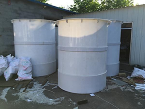 青岛PP长水槽价格-山东专业的pp塑料罐供应