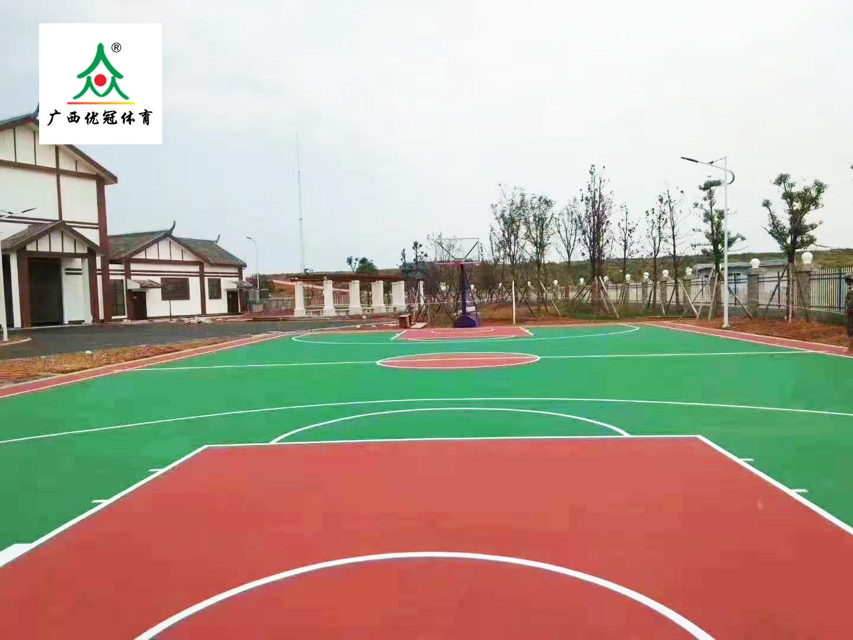 广西硅PU篮球场建设中如何设计排水设施